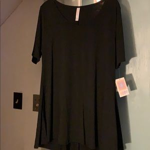 LuLaRoe Large Black Perfect T